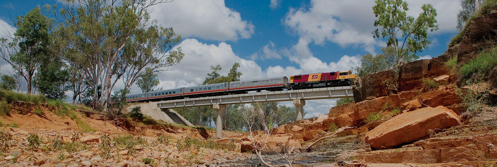 Discover Queensland by Rail-banner